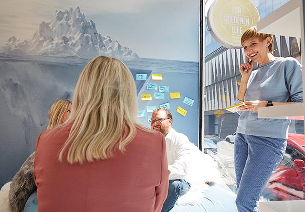 Zur Goldenen Idee Workshopraum Kreativraum Eventlocation Seminarraum Düsseldorf zur Miete mieten NRW Innenansicht 1