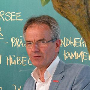 Andreas Ehlert, Präsident der Handwerkskammer Düsseldorf bei der Eröffnung des New Work Lab Düsseldorf, Workshopraum, Creative Space