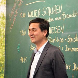 Rainer Matheisen, Mitglied des NRW-Landtags bei der Eröffnung des New Work Lab Düsseldorf, Workshopraum, Creative Space